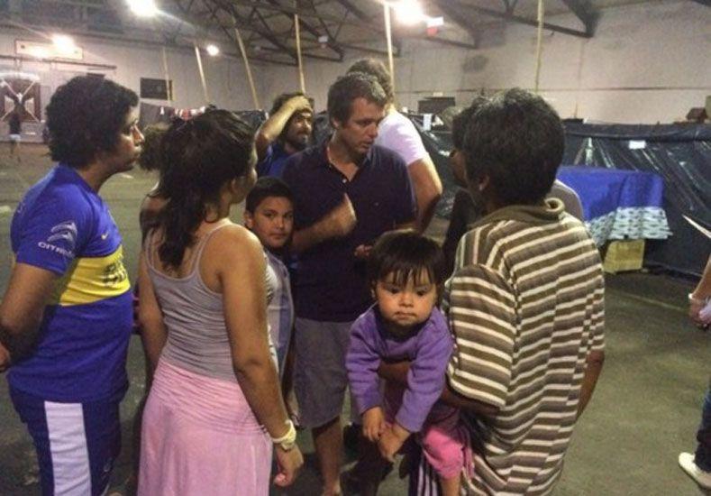 El intendente Cresto recorrió los centros de evacuados.
