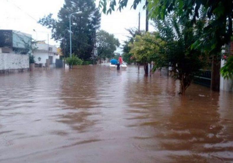 El río Uruguay fluctúa en Concordia y siguen evacuadas unas 11.000 personas