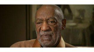 Orden de arresto a Bill Cosby por atacar sexualmente a una mujer hace 12 años