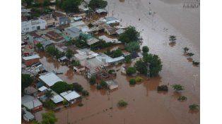 Más de 25.000 personas permanecen evacuadas por las inundaciones en el Litoral
