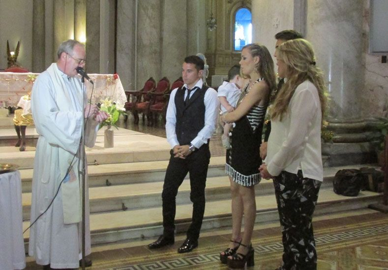 Bautizaron al hijo de Saviola y Romanella Amato en la Catedral