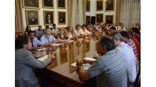 Contra los rumores. El gobierno difundió la información del encuentro con delegados gremiales.