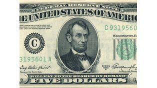 El dólar cortó la tendencia negativa y cerró estable