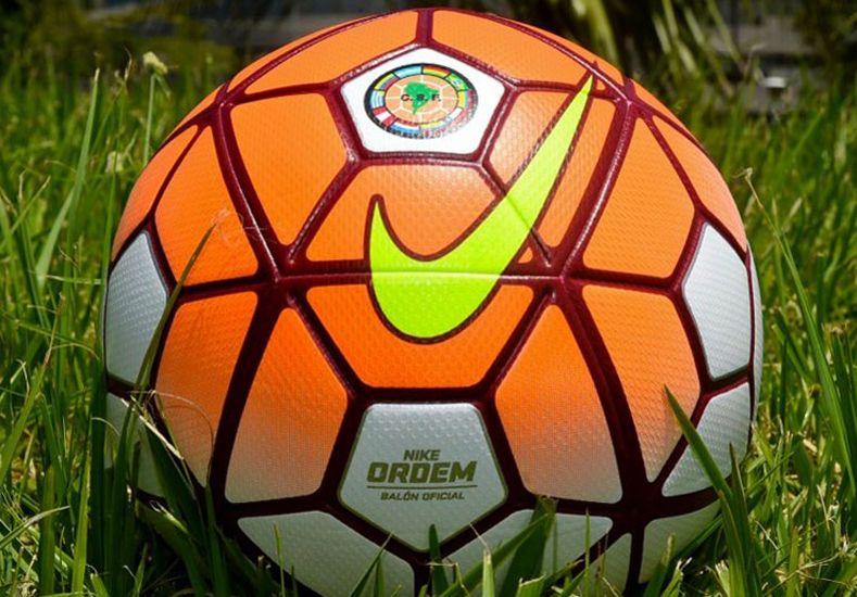 La pelota que se usará en la Copa Libertadores 2016