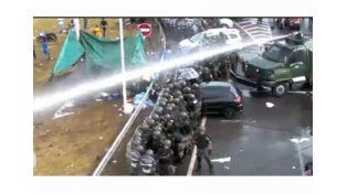 Gendarmería reprimió a los trabajadores de Cresta Roja