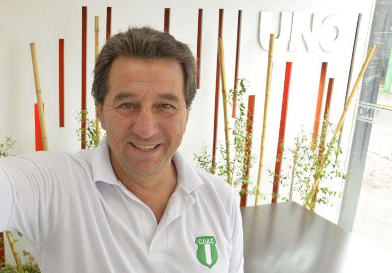 El DT del Paraná Campaña.
