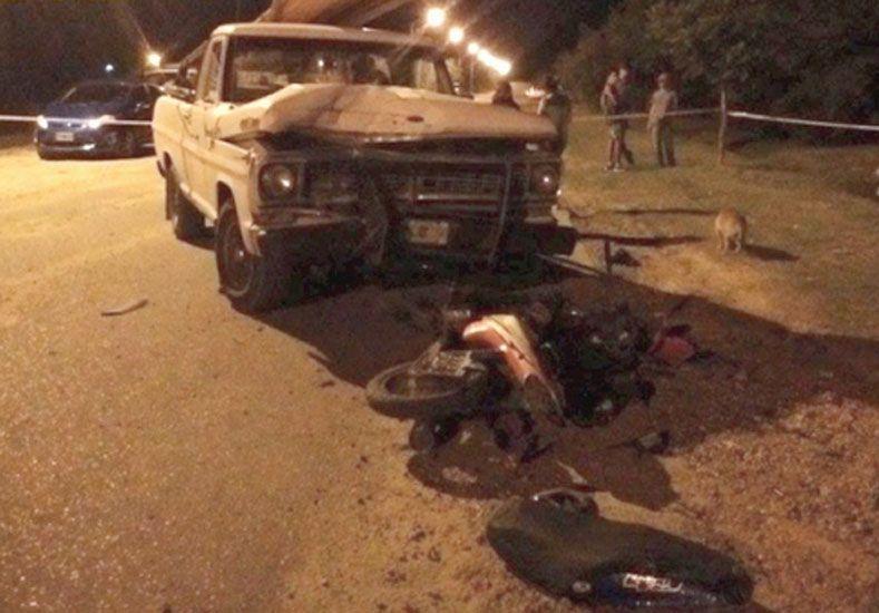 La camioneta chocó a la moto. Foto: La Gacela