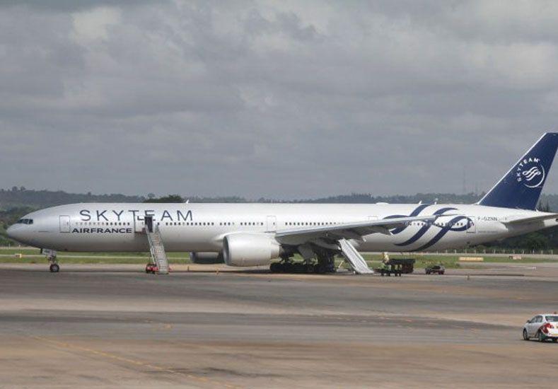 Kenia: encontraron un explosivo en un vuelo que iba a despegar hacia París