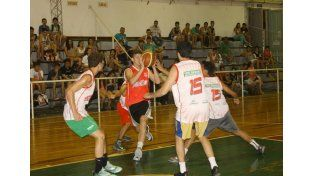 Partidos. El encuentro se dio en el gimnasio del Recreativo Bochas club con representantes de las 19 instituciones.