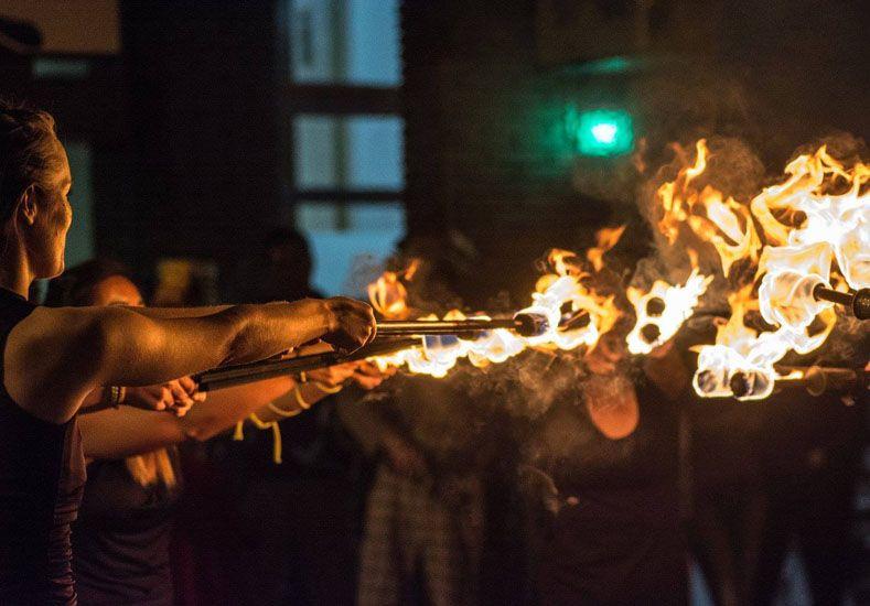 El sábado habrá danza y fuego en la peatonal