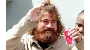 Alvarenga al momento de ser rescatado tras haber sobrevivido 13 meses en el mar.