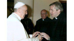 Victoriense.  El padre Pedro Brassesco lo saludó y concelebró misa con su santidad.