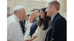 De Basavilbaso. Pareja de recién casados recibiendo su bendición.