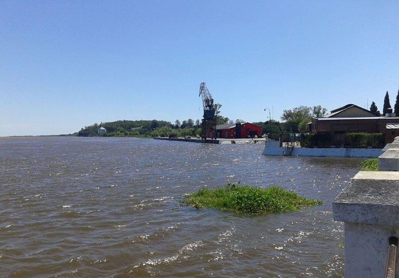 Al norte. En La Paz tienen preparados dos centros de evacuados; el río crece en el puerto.