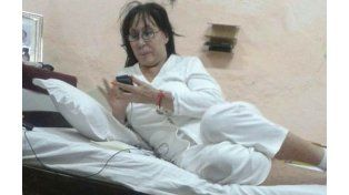 Las agentes paraguayas que custodian el penal no perdieron la oportunidad de sacar una foto con la diva argentina.