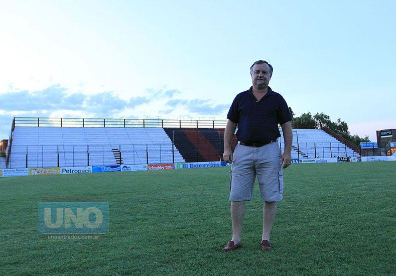 """""""No estamos lejos de un plantel de Primera División"""