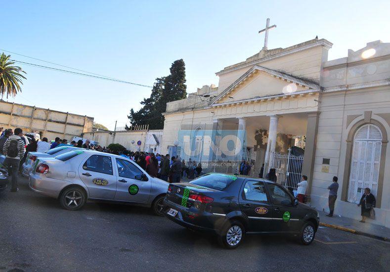 Consternados. Los remiseros de Paraná se sintieron afectados por el asesinato de su compañero. Foto UNO/Juan Manuel Hernández