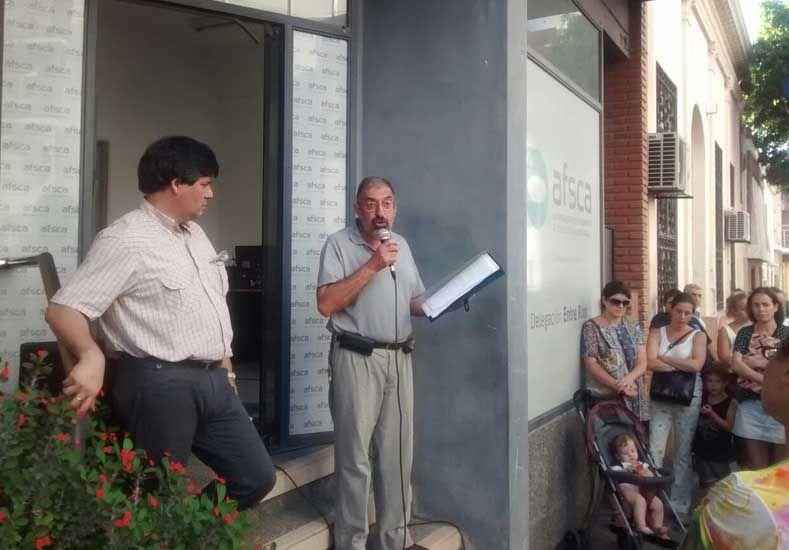 Abrazo al AFSCA Paraná en defensa de la Ley de Medios