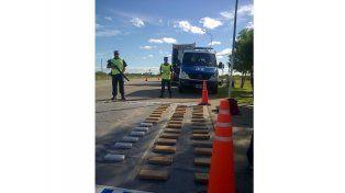 Detectaron droga en camiones 0km que iban a Chile