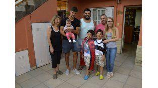 """LA FAMILIA. """"Mi papá es futbolero y también mi hermano Leandro"""