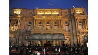 Macri cierra el día con la Gala presidencial en el Colón