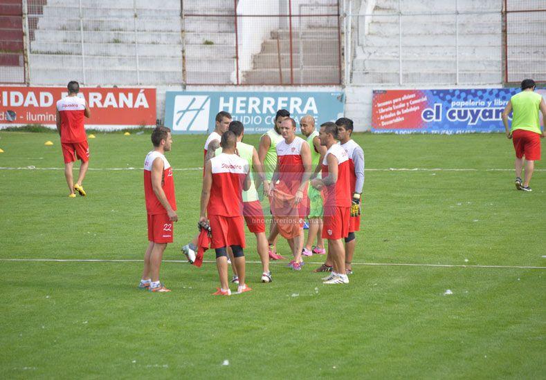 El plantel de Atlético Paraná se juntará a las 16 en el Mutio.  Foto UNO/Mateo Oviedo
