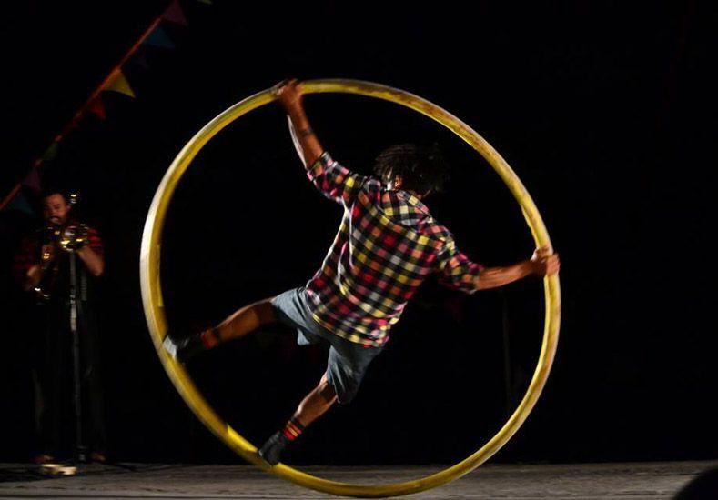 Acrobacias. El público podrá disfrutar de espectáculos circenses todos los días.
