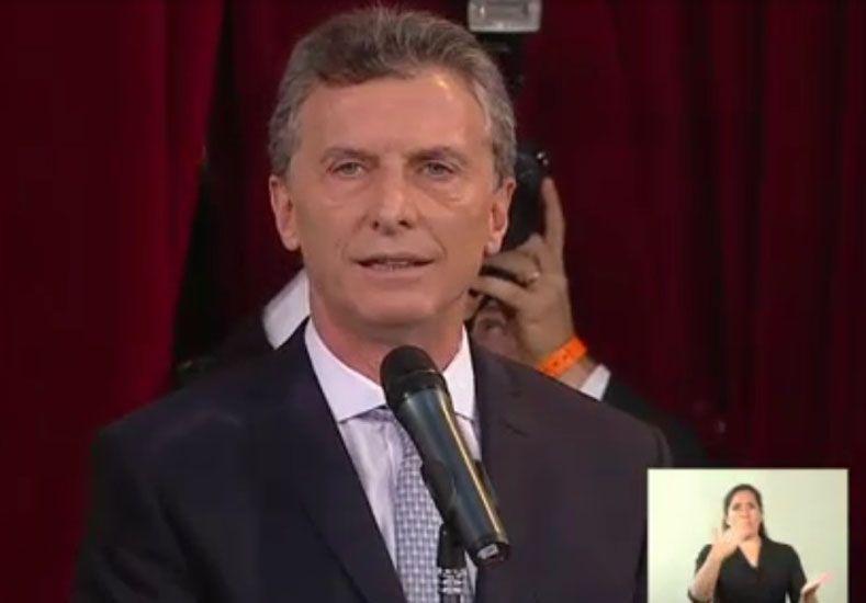 Macri y Michetti juraron como presidente y vice ante la Asamblea Legislativa