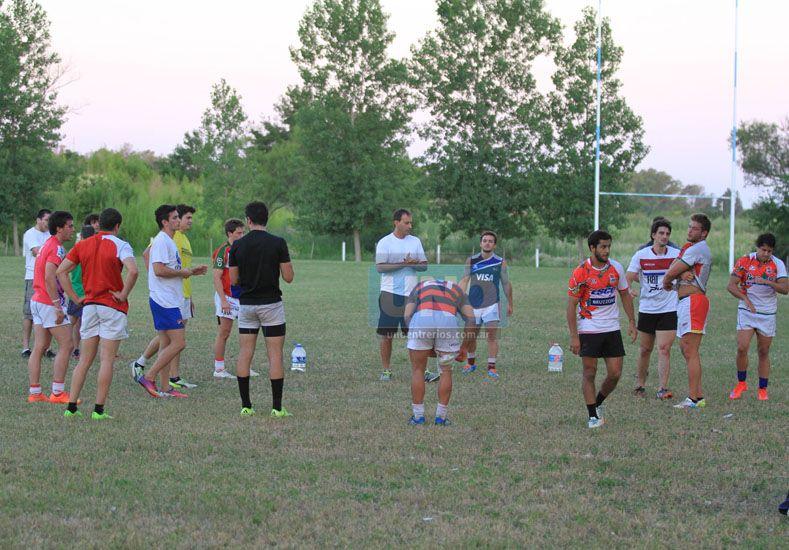 El equipo comenzó ayer el trabajo semanal en el predio El Yarará. El sábado el debut es ante Sur.   Foto: UNO/Diego Arias