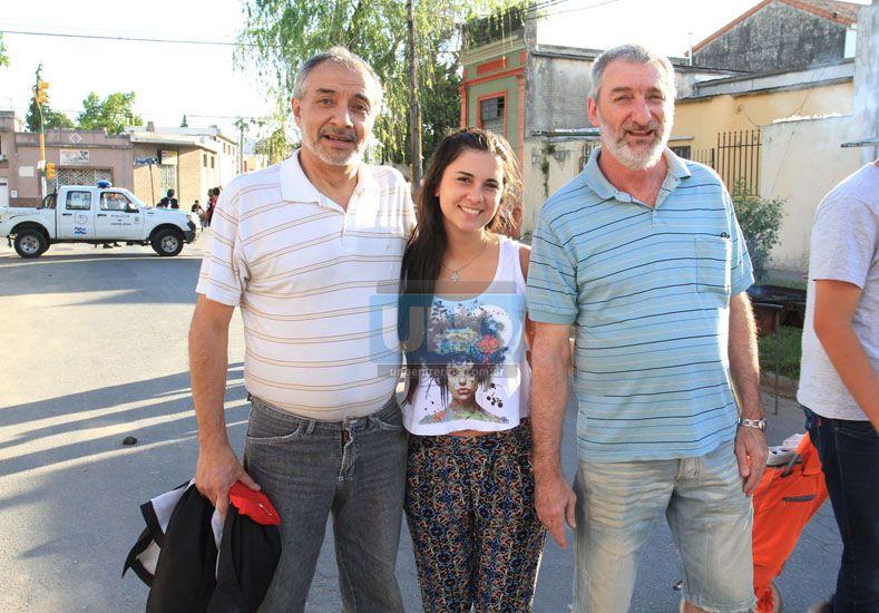 Familias que llegan desde el barrio Rocamora: los Gallusi y Aquino.   Foto UNO/Juan Ignacio Pereira