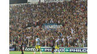 El Grella vibró de principio a fin con una multitud en las tribunas.  Foto UNO/Juan Ignacio Pereira
