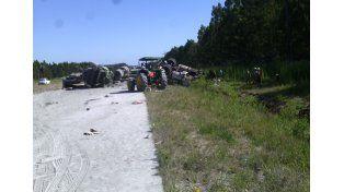 Un camión volcó tras chocar un tractor en la ruta nacional 14