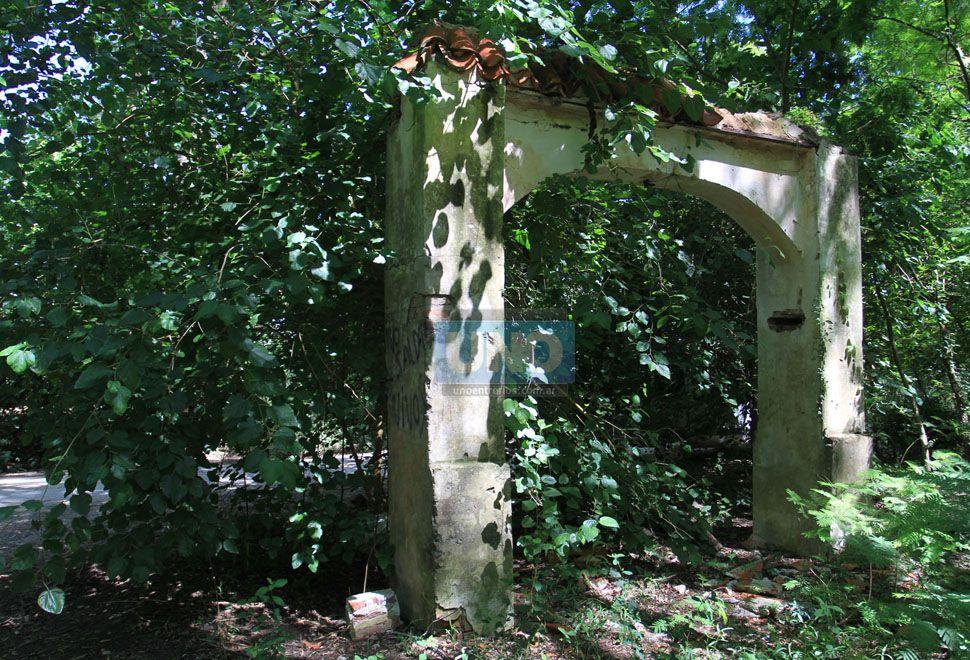 Restos de la casona embrujada de Tezanos Pinto.  Foto UNO/Juan Ignacio Pereira