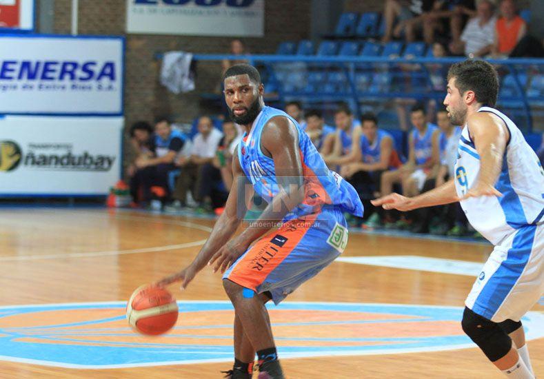 Reynaldo García estuvo lejos de su nivel y el equipo lo sintió demasiado.  Foto UNO/Diego Arias
