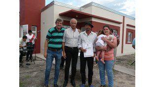 Diez familias de Hasenkamp accedieron a su casa propia