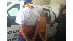 Detuvieron a dos jóvenes que realizaban arrebatos en la zona de Newbery y Caputto