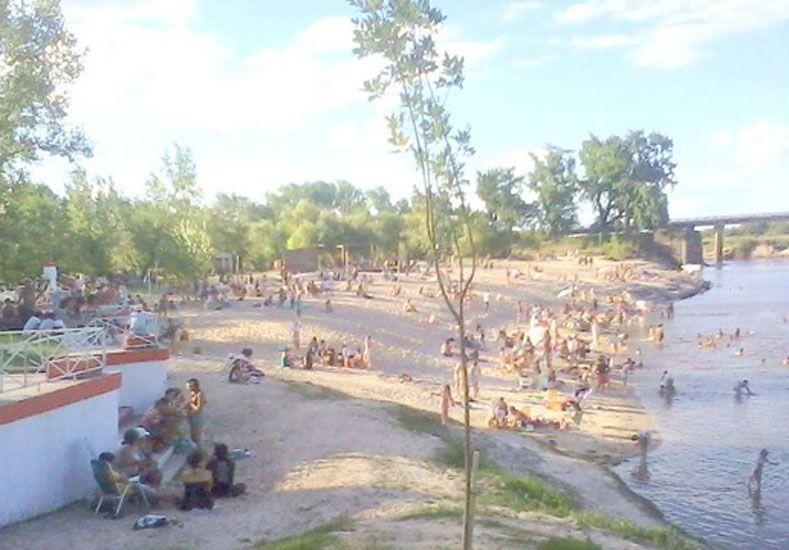 Peligro. El río crece.  Foto: Internet