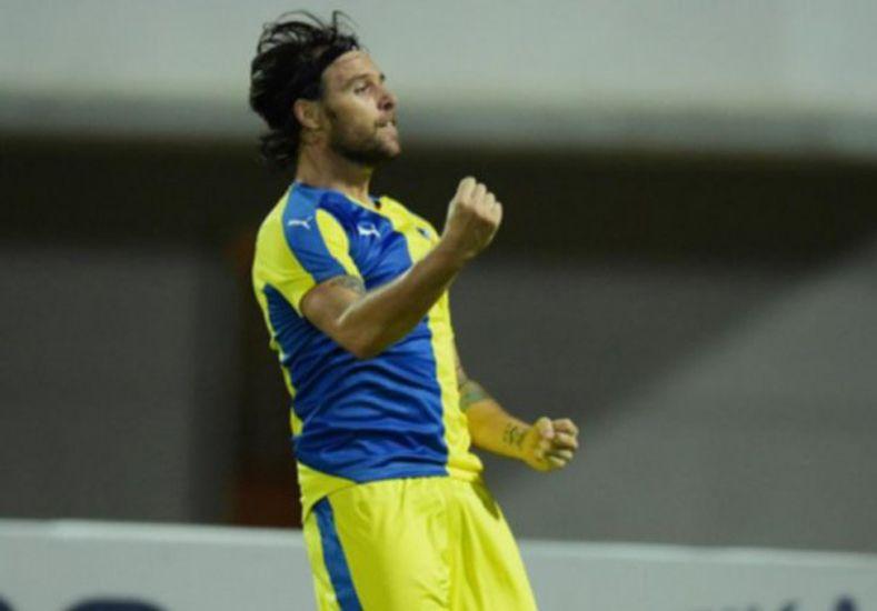 Cavenaghi metió un gol y dejó al Apoel en la cima del torneo