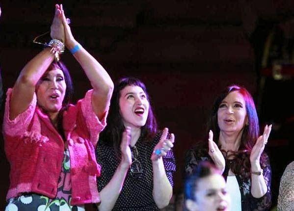 "Moria Casán, de Menem a Cristina: ""Con ella aprendí a no decir 'estos negros de mier..'"""