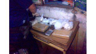 Secuestran importante cantidad de drogas en barrioParaná XVI