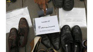 Unos 10 mil zapatos donados