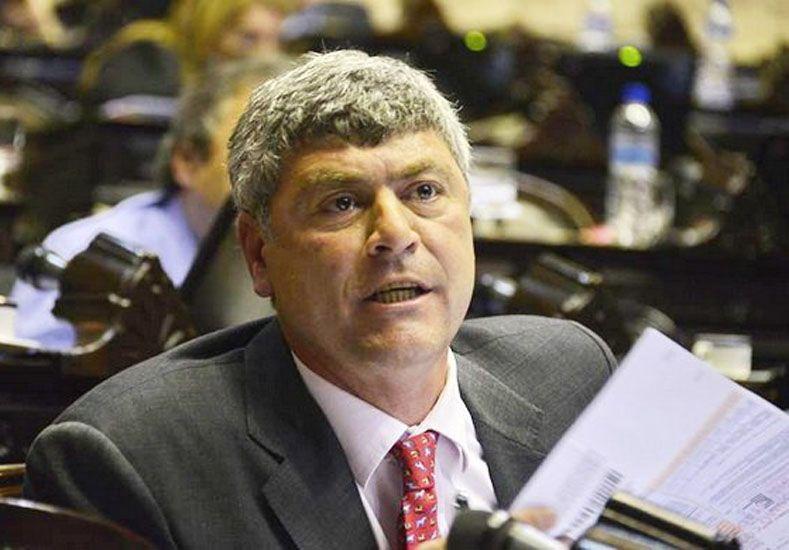 El ministro de Agricultura designado por Macri asumirá con su sueldo de diputado embargado