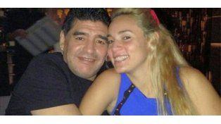 Diego Maradona y Rocío Oliva se casarán en Buenos Aires