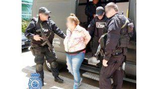 Detenida. Una de las mujeres apresadas en la ciudad de Córdoba por la PSA.