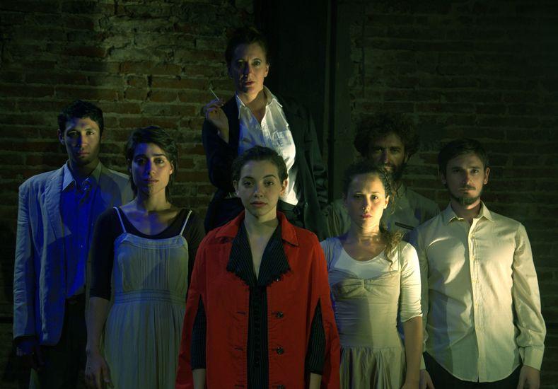Staff. El elenco está conformado mayoritariamente por actores - bailarines paranaenses.