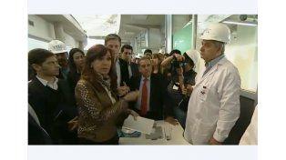 Cristina recorrió el Centro Tecnológico de YPF y pidió no cerrar nunca más la investigación