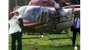 """Los viajecitos. El piloto del helicóptero dijo que lo llevó de """"gauchada"""". Es contratista del Estado.  Foto: Internet"""