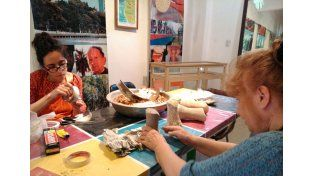 Muestra de los talleres que investigaron las culturas Guaraní y Chaná