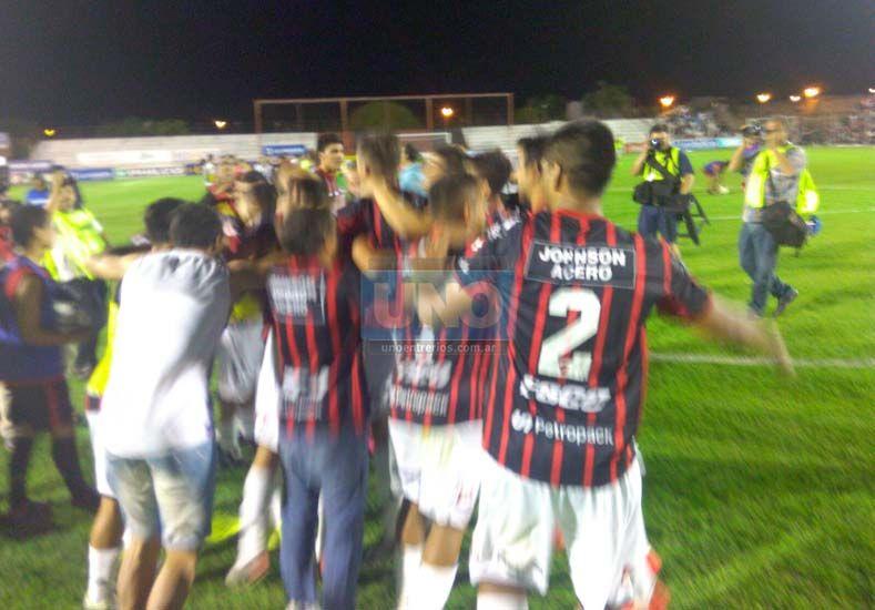 #PatrónDelAscenso: Patronato derrotó a Instituto por 3 a 1 y se metió en la final