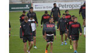 El equipo paranaense por el pase por el segundo ascenso a la Primera División.   Foto UNO/Mateo Oviedo